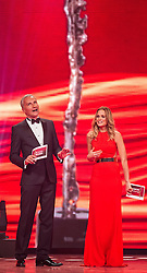 30.10.2014, Austria Center Vienna, Wien, AUT, Lotterien Gala, Nacht des Sports 2014, im Bild v.l.n.r. die Moderatoren Rainer Pariasek und Mirjam Weichselbraun // during Lotterien galanight of sports 2014 at Austria Center in Vienna on 2014/10/30, EXPA Pictures © 2014 PhotoCredit: EXPA/ Michael Gruber