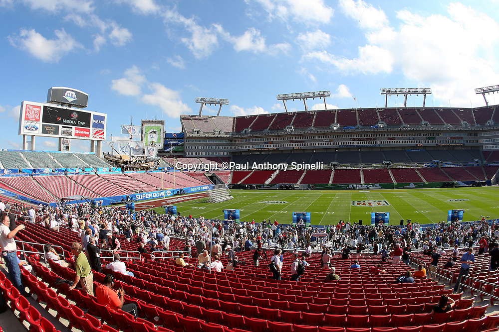TAMPA, FL - JANUARY 27: General view of the media swarming the players and coaches at the NFC Arizona Cardinals Super Bowl XLIII Media Day at Raymond James Stadium on January 27, 2009 in Tampa, Florida. ©Paul Anthony Spinelli