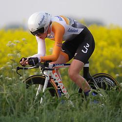 CYCLING 's-Heerenhoek: De eerste tijdrit voor vrouwen in het kader van de tijdritcompetitie werd verreden voorafgaand aan de omloop van Borsele. Anna van der Breggen