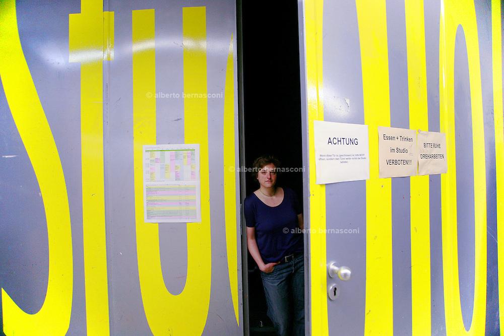 Berlin, Hochschule fur film und fernsehen Konrad Wolf, The Film & Television Academy (HFF) ?Konrad Wolf?, , Ruth, studentessa editing.....Berlin, Hochschule fur film und fernsehen Konrad Wolf, The Film & Television Academy (HFF) ?Konrad Wolf ,Ruth, editing student.