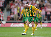 Photo: Lee Earle.<br /> Southampton v West Bromwich Albion. Coca Cola Championship. 12/08/2006. West Brom's John Hartson looks dejected after failing to score.