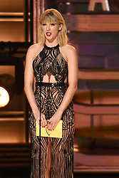 Taylor Swift bei den 50. Country Music Awards in Nashville / 021116<br /> <br /> *** Country Music Awards 2016, Nashville, USA, November 2, 2016 ***