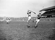 179/2528-2533...-Senior Hurling Tipperary Team in Croke Park...19 April 1953.National Hurling League Final.