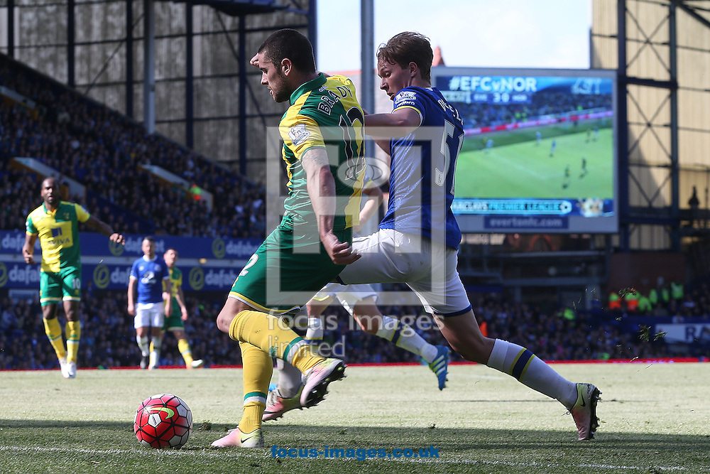 Robbie Brady of Norwich and Kieran Dowell of Everton in action during the Barclays Premier League match at Goodison Park, Liverpool<br /> Picture by Paul Chesterton/Focus Images Ltd +44 7904 640267<br /> 15/05/2016