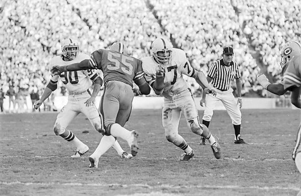 1974 Stanford v Cal Big Game at Cal, Duncan McColl #77 and Gerald Church #90 play defense.