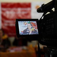 TOLUCA, México.- Ericka Cervantes Pérez, periodista y Livia Olvera Snyder, del grupo CODICE exigieron al gobierno estatal y a la legislatura mexiquense el estricto cumplimiento de los tratados internacionales en materia de prevención y combate al consumo del tabaco. Agencia MVT / Crisanta Espinosa. (DIGITAL)