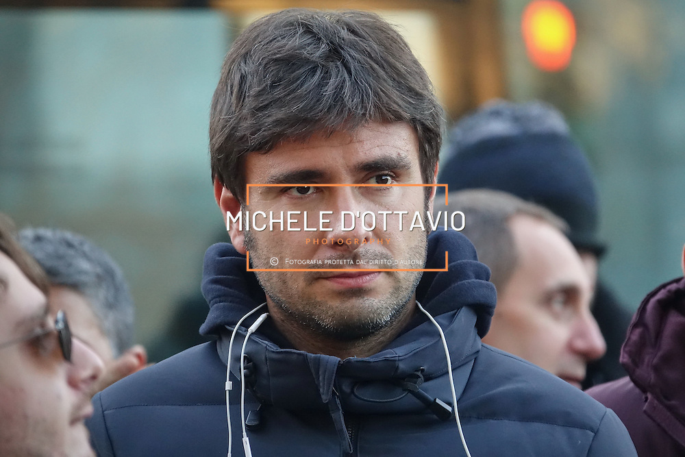 Alessandro Di Battista a Torino, per la manifestazione di chiusura della campagna elettorale del M5S per il Referendum Costituzionale. 2 dicembre 2016