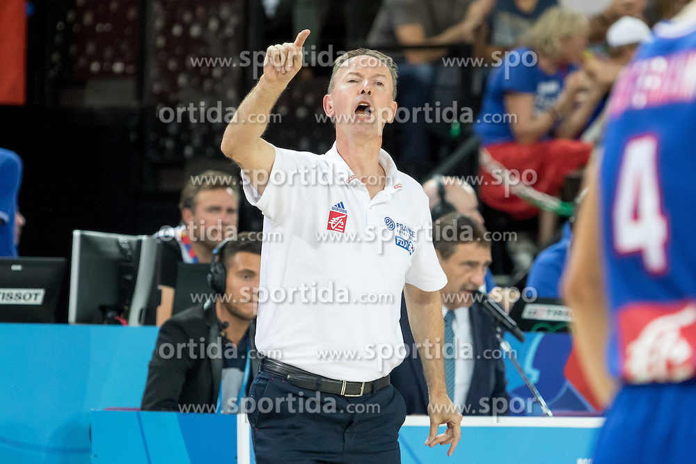 06.09.2015, Park Suites Arena, Montpellier, FRA, Bosnien und Herzegowina vs Frankreich, Gruppe A, im Bild VINCENT COLLET // during the FIBA Eurobasket 2015, group A match between Bosnia an Herzegowina and France at the Park Suites Arena in Montpellier, France on 2015/09/06. EXPA Pictures &copy; 2015, PhotoCredit: EXPA/ Newspix/ Pawel Pietranik<br /> <br /> *****ATTENTION - for AUT, SLO, CRO, SRB, BIH, MAZ, TUR, SUI, SWE only*****