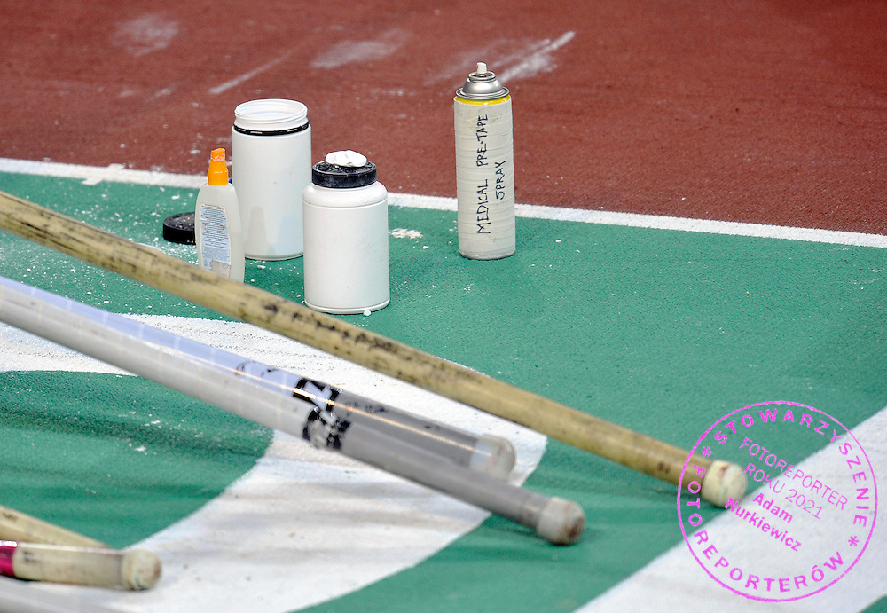 POLES DURING POLE VAULT COMPETITION DURING DAY 1 THE 13TH IAAF WORLD INDOOR CHAMPIONSHIPS IN ATHLETICS DOHA 2010 AT ASPIRE DOME...DOHA , QATAR , MARCH 12, 2010..( PHOTO BY ADAM NURKIEWICZ / MEDIASPORT )..PICTURE ALSO AVAIBLE IN RAW OR TIFF FORMAT ON SPECIAL REQUEST.