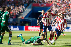 02.04.2016, Estadio San Mames, Bilbao, ESP, Primera Division, Athletic Club vs Real Betis, 31. Runde, im Bild Atletico de Madrid's Saul Niguez and Filipe Luis and Real Betis's Molinero // during the Spanish Primera Division 31th round match between Athletic Club and Real Betis at the Estadio San Mames in Bilbao, Spain on 2016/04/02. EXPA Pictures © 2016, PhotoCredit: EXPA/ Alterphotos/ Borja B.Hojas<br /> <br /> *****ATTENTION - OUT of ESP, SUI*****