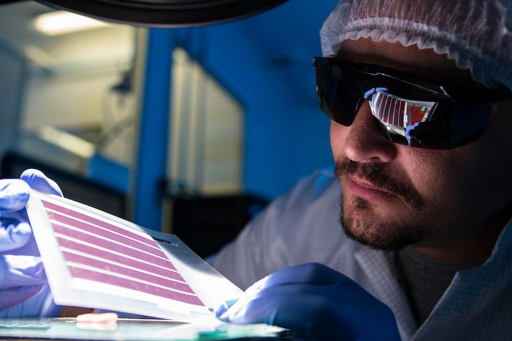 Belo Horizonte_MG, Brasil.<br /> <br /> Producao de placas solares flexiveis chamadas eletronica organica e impressa.<br /> <br /> Production of flexible organic solar cells and printed electronics calls.<br /> <br /> Foto: RAFAEL MOTTA / NITRO