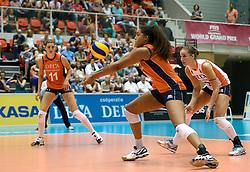 08-08-2014 NED: FIVB Grand Prix Nederland - Puerto Rico, Doetinchem<br /> Anne Buijs, Celeste Plak, Myrthe Schoot