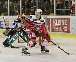 09.12.2016, Stadthalle, Klagenfurt, AUT, EBEL, EC KAC vs HC TWK Innsbruck, 28. Runde Grunddurchgang, im Bild Andy Chiodo (HC TWK Innsbruck, #30), Manuel Ganahl (EC KAC, #17) // during the Erste Bank Eishockey League 28th match at preliminary round betweeen KAC vs HC TWK Innsbruck at the City Hall in Klagenfurt, Austria on 2016/12/09. EXPA Pictures © 2016, PhotoCredit: EXPA/ Gert Steinthaler