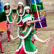 NLD/Amsterdam/20170925 - Presentatie A Christmas Carol 2017, elfjes in kerstkleding