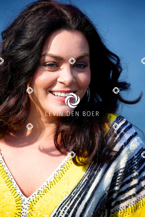 AMSTERDAM - Bij The Harbour Club werden de kandidaten voorgesteld van het SBS6 programma 'Sterren Springen'. Met hier op de foto  Kim-Lian van der Meij. FOTO LEVIN DEN BOER - PERSFOTO.NU