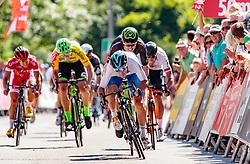 05.07.2017, Altheim, AUT, Ö-Tour, Österreich Radrundfahrt 2017, 3. Etappe von Wieselburg nach Altheim (226,2km), im Bild v.l.: Clement Venturini (FRA, Cofidis Solutions Credits), Sep Vanmarcke (BEL, Cannondale Drapac Professional Cycling Team), Jason Lowndes (AUS, Israel Cycling Academy), Sieger Elia Viviani (ITA, Nationale Italiana) // f.l.: Clement Venturini (FRA Cofidis Solutions Credits) Sep Vanmarcke (BEL Cannondale Drapac Professional Cycling Team) Jason Lowndes (AUS Israel Cycling Academy) Stage Winner Elia Viviani (ITA Nationale Italiana) during the 3rd stage from Wieselburg to Altheim (199,6km) of 2017 Tour of Austria. Altheim, Austria on 2017/07/05. EXPA Pictures © 2017, PhotoCredit: EXPA/ JFK