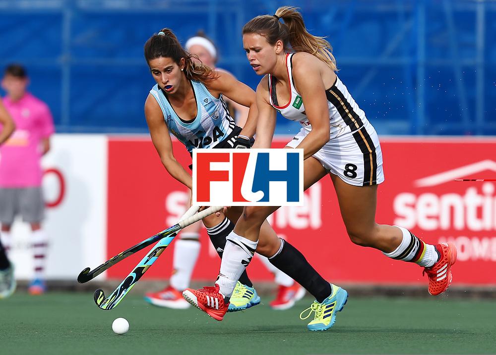 New Zealand, Auckland - 24/11/17  <br /> Sentinel Homes Women&rsquo;s Hockey World League Final<br /> Harbour Hockey Stadium<br /> Copyrigth: Worldsportpics, Rodrigo Jaramillo<br /> Match ID: 10307 - ARG-GER<br /> Photo: (8) SCHR&Ouml;DER Anne&nbsp;(C) against (5) ALONSO Agostina
