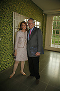 U.S. Ambassador Robert Holmes Tuttle and his wife, EXHIBITION OF WORK BY THOMAS DEMAND ( SUPPORTED BY WALLPAPER) AT THE SERPENTINE GALLERY AND AFTERWARDS AT THE Rochelle Canteen, Rochelle School<br />