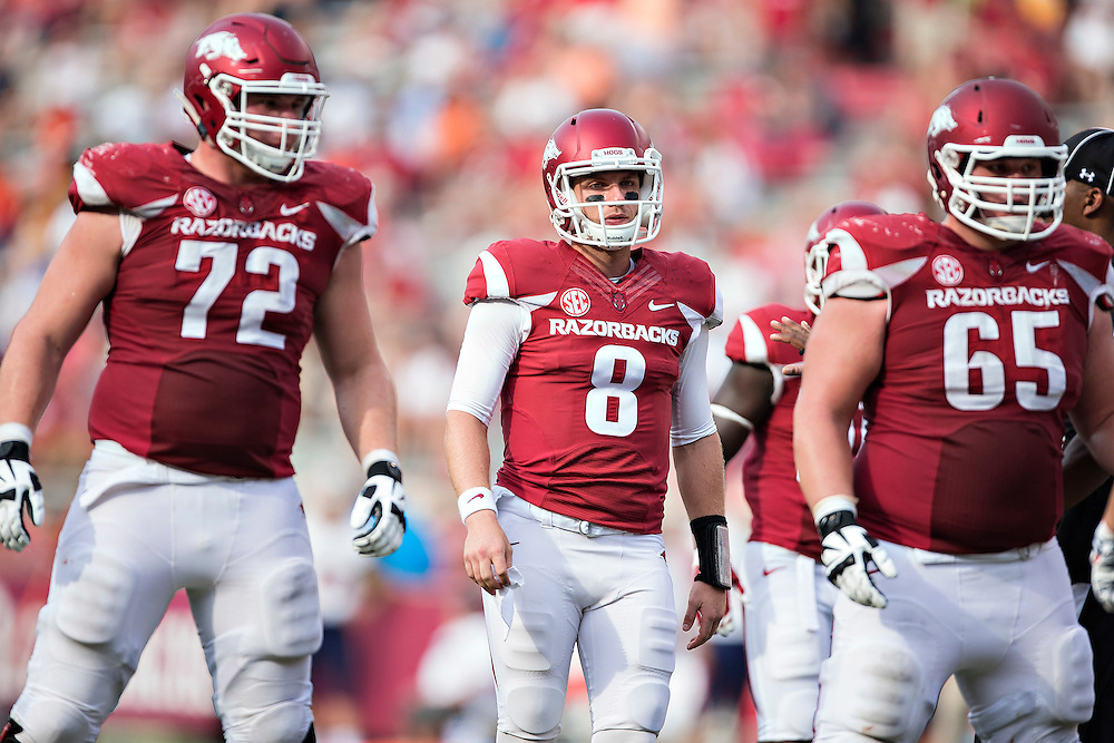 FAYETTEVILLE, AR - SEPTEMBER 5:  Austin Allen #8 of the Arkansas Razorbacks breaks the huddle during a game against the UTEP Miners at Razorback Stadium on September 5, 2015 in Fayetteville, Arkansas.  The Razorbacks defeated the Miners 48-13.  (Photo by Wesley Hitt/Getty Images) *** Local Caption *** Austin Allen