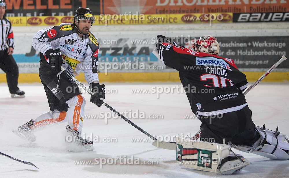 11.10.2015, Tiroler Wasserkraft Arena, Innsbruck, AUT, EBEL, HC TWK Innsbruck die Haie vs Dornbirner Eishockey Club, 10. Runde, im Bild vl.: Kyle Greentree (Dornbirner Eishockey Club), Andy Chiodo (HC TWK Innsbruck Die Haie) // during the Erste Bank Icehockey League 10th round match between HC TWK Innsbruck  die Haie and Dornbirn Eishockey Club at the Tiroler Wasserkraft Arena in Innsbruck, Austria on 2015/10/11, EXPA Pictures © 2015, PhotoCredit: EXPA/ Jakob Gruber