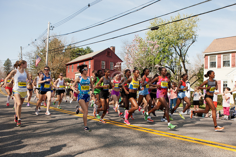 elite women's field start in Hopkinton