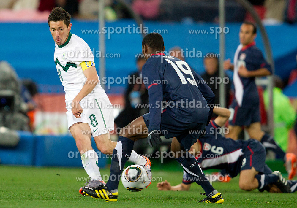 Robert Koren of Slovenia vs Maurice Edu of USA during the 2010 FIFA World Cup South Africa Group C match between Slovenia and USA at Ellis Park Stadium on June 18, 2010 in Johannesberg, South Africa. (Photo by Vid Ponikvar / Sportida)