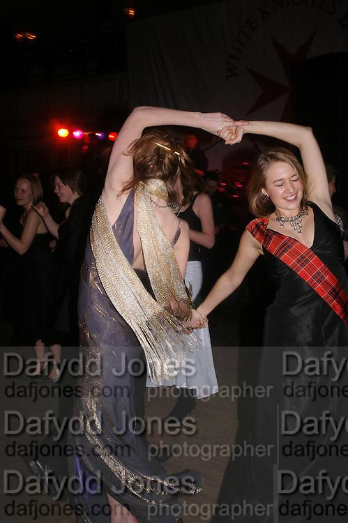 Kryszia de Nahlik. White Knights Ball, Grosvenor House Hotel 7 January 2005. ONE TIME USE ONLY - DO NOT ARCHIVE  © Copyright Photograph by Dafydd Jones 66 Stockwell Park Rd. London SW9 0DA Tel 020 7733 0108 www.dafjones.com