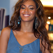 NLD/Rotterdam/20050524 - Promotie parfum Beyonce Knowles.Beyonce Giselle Knowles
