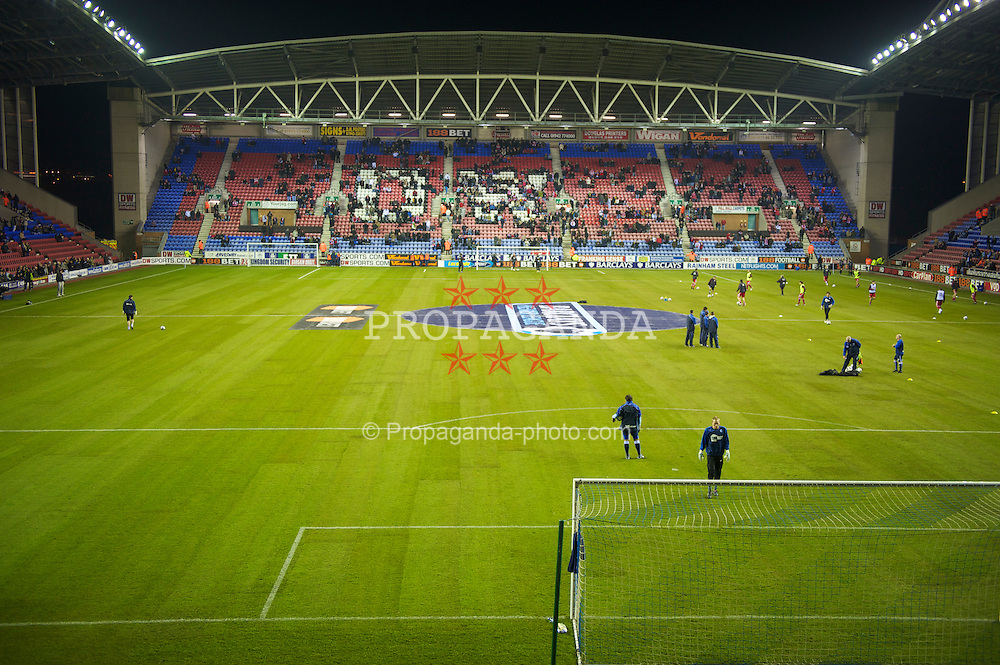 WIGAN, ENGLAND - Monday, March 8, 2010: Liverpool prepare to take on Wigan Athletic on a newly relaid picth during the Premiership match at the DW Stadium. (Photo by David Rawcliffe/Propaganda)