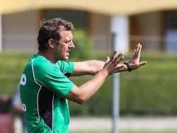 15.07.2013, Walchsee, AUT, FC Augsburg, Trainingslager, im Bild Markus WEINZIERL (Trainer FC Augsburg), ruft, schreit, gibt Anweisungen, Gestik, Einzelbild, Aktion // during a trainings session of German 1st Bundesliga club FC Augsburg at their training camp in Walchsee, Austria on 2013/07/15. EXPA Pictures &copy; 2013, PhotoCredit: EXPA/ Eibner/ Klaus Rainer Krieger<br /> <br /> ***** ATTENTION - OUT OF GER *****