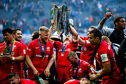 Saracens celebrate winning the Heineken Champions Cup after beating Leinster Rugby - Mandatory by-line: Robbie Stephenson/JMP - 11/05/2019 - RUGBY - St James' Park - Newcastle, England - Leinster Rugby v Saracens - Heineken Champions Cup Final