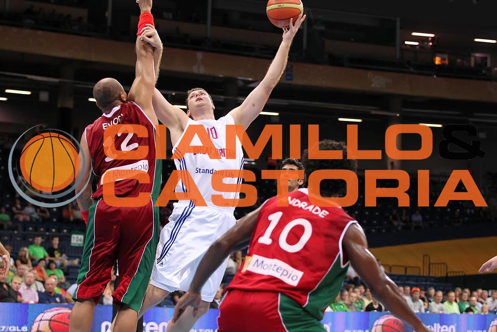 DESCRIZIONE : Panevezys Lithuania Lituania Eurobasket Men 2011 Preliminary Round Inghilterra Portogallo Great Britain Portugal<br /> GIOCATORE : Robert Archibald <br /> SQUADRA : Inghilterra Great Britain<br /> EVENTO : Eurobasket Men 2011<br /> GARA : Inghilterra Portogallo Great Britain Portugal<br /> DATA : 04/09/2011 <br /> CATEGORIA : tiro shot<br /> SPORT : Pallacanestro <br /> AUTORE : Agenzia Ciamillo-Castoria/ElioCastoria<br /> Galleria : Eurobasket Men 2011 <br /> Fotonotizia : Panevezys Lithuania Lituania Eurobasket Men 2011 Preliminary Round Inghilterra Portogallo Great Britain Portugal<br /> Predefinita :