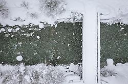 THEMENBILD - ein zugeschneite Brücke über sie Saalach, aufgenommen am 09. Jaenner 2019 in Saalbach, Oesterreich //  a snowy bridge over the saalach river, Saalbach, Austria on 2019/01/09. EXPA Pictures © 2019, PhotoCredit: EXPA/ JFK