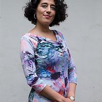 Nederland, Amsterdam, 13 mei 2017.<br />islamitische feministes geportretteerd buiten bibliotheek Atria in de Vijzelstraat.<br />Op de foto: Kaouthar Darmoni, docent gender en media aan de Universiteit van Amsterdam van Tunesische afkomst<br /><br /><br /><br />Foto: Jean-Pierre Jans