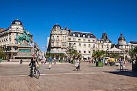 France, Region Centre-Val de Loire, Loiret (45), Orléans, place du Martroi, statue équestre de Jeanne d'Arc réalisée en 1855 par Denis Foyatier // France, Loiret, Orleans, Martoi square and Jeanne d'Arc statue