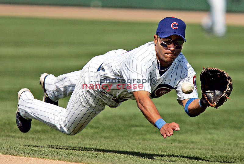 Chicago Cubs 2nd baseman Jerry Hairston catches a line drive during a Spring Training game on March 14, 2005 against the Chicago White Sox.  Sox won 9 to 5.