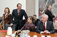 06 FEB 2003, BERLIN/GERMANY:<br /> Ursula Engelen-Kefer, Stellv. Vorsitzende Deutscher Gewerkschaftsbund, DGB, Prof. Dr. Dr. h.c. Bert Ruerup, Professor fuer Volkswirtschaftslehrer, Nadine Franz, Buerokauffrau Schering AG, Mitglied der Tarifkommission des IGBCE, und Juergen Husmann, Mitglied Hauptgeschaeftsfuehrung des Bundesvereinigung der Deutschen Arbeitgeberverbaende, BDA, vor Beginn der ersten Sitzung der Arbeitsgruppe Gesundheit der Ruerup-Kommission, Bundesministerium fuer Gesundheit und Soziale Sicherung<br /> IMAGE: 20030206-01-013<br /> KEYWORDS: Rürup-Kommission