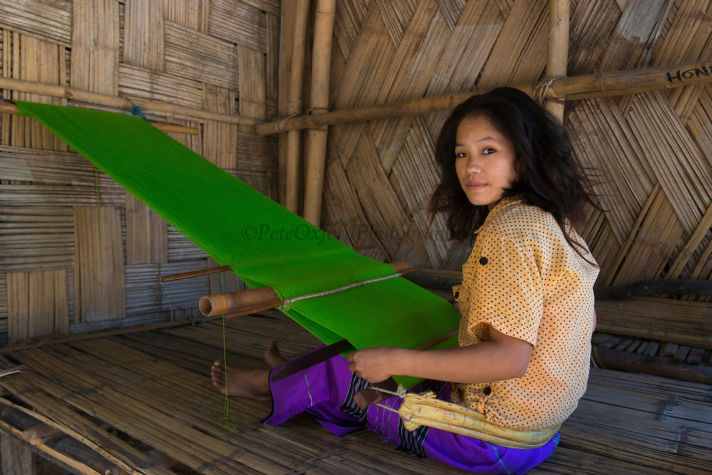 Hill Miri woman weaving<br /> Lower Subansiri District<br /> Arunachal Pradesh<br /> North East India