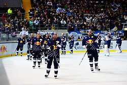 16.12.2016, Olympia Eishalle, Muenchen, GER, DEL, EHC Red Bull Muenchen vs ERC Ingolstadt, 28. Runde, im Bild Schlussjubel EHC Red Bull Muenchen, // during the German DEL Icehockey League 28th round match between EHC Red Bull Muenchen and ERC Ingolstadt at the Olympia Eishalle in Muenchen, Germany on 2016/12/16. EXPA Pictures © 2016, PhotoCredit: EXPA/ Eibner-Pressefoto/ Buthmann<br /> <br /> *****ATTENTION - OUT of GER*****