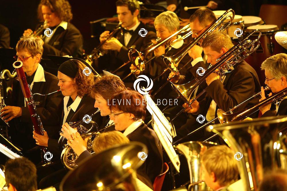 KERKDRIEL - In sporthal De Kreek hield Muziekvereniging MFC een gezamenlijk concert met Maasdrielse Muziekverenigingen. FOTO LEVIN DEN BOER - PERSFOTO.NU