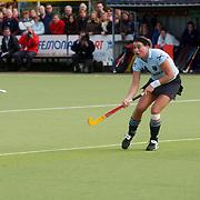 Europa Cup bekerwinnaars finale, Laren - Canterbury, Minke Smabers(L) + Kim Lammers