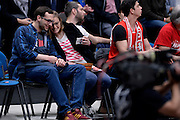 DESCRIZIONE : Milano Lega A 2015-2016 Playoff Finale Gara 1 EA7 Emporio Armani Milano Grissin Bon Reggio Emilia<br /> GIOCATORE : tifosi<br /> CATEGORIA : tifosi curiosita<br /> SQUADRA : EA7 Emporio Armani Milano<br /> EVENTO : Campionato Lega A 2015-2016<br /> GARA : EA7 Emporio Armani Milano Grissin Bon Reggio Emilia<br /> DATA : 03/06/2016<br /> SPORT : Pallacanestro<br /> AUTORE : Agenzia Ciamillo-Castoria/Max.Ceretti<br /> GALLERIA : Lega Basket A 2015-2016<br /> FOTONOTIZIA : Milano Lega A 2015-2016 Playoff Finale Gara 1 EA7 Emporio Armani Milano Grissin Bon Reggio Emilia<br /> PREDEFINITA :