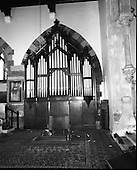 1977 - Dismantling Of Pipe Organ At Aungier Street.   (K86).