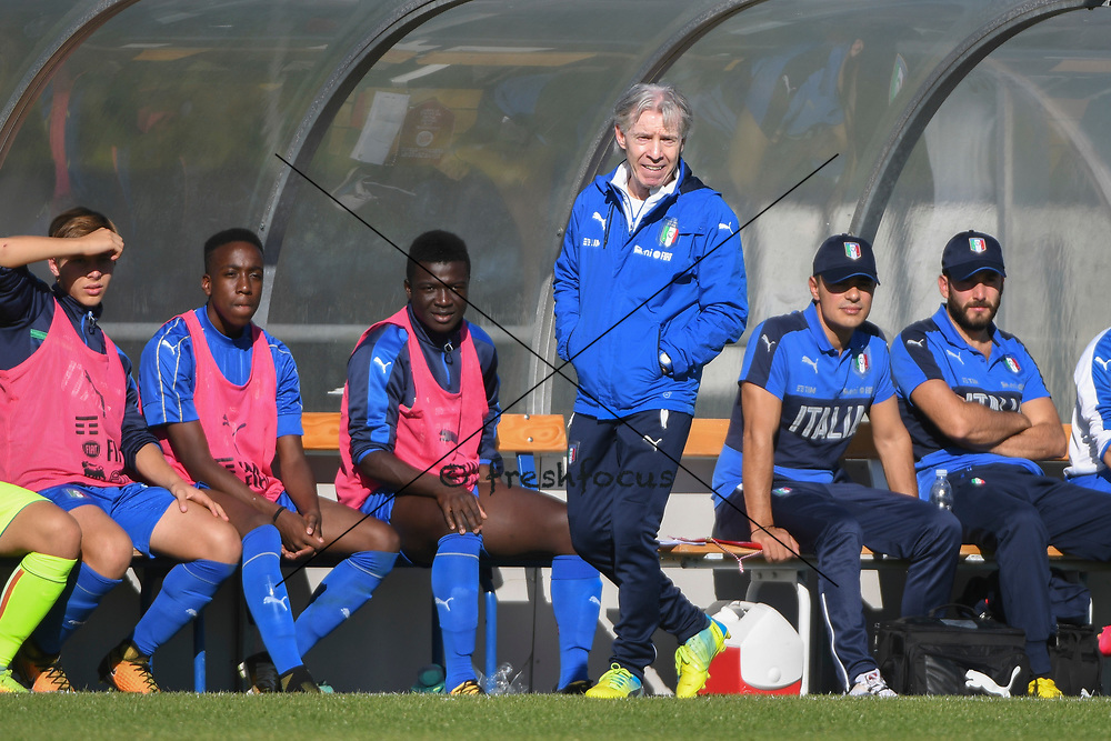 21.09.2017; Niederhasli; FUSSBALL U16 - Schweiz - Italien;<br /> Trainer Daniele Zoratto (ITA) <br /> (Andy Mueller/freshfocus)