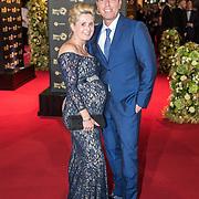 NLD/Amsterdam/20171012 - Televizier-ring Gala 2017, Rob geus en zwangere partner Suzanne Ozek