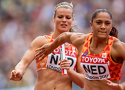 12-08-2017 IAAF World Championships Athletics day 9, London<br /> 4 x 100 meter relay met Dafne Schippers NED en Naomi Sedney NED. Nederland kwam op de atletiekbaan van het Olympic Stadium tot een tijd van 42,64 seconden en plaatste zich voor de finale