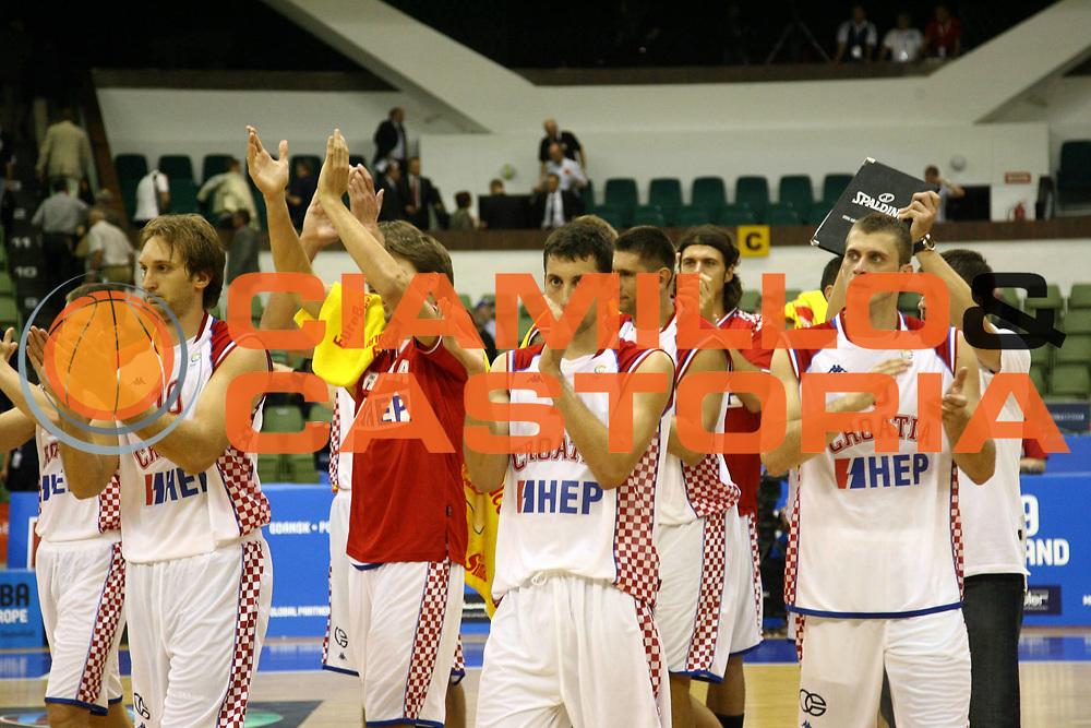 DESCRIZIONE : Poznan Poland Polonia Eurobasket Men 2009 Preliminary Round Croazia Israele Croatia Israel<br /> GIOCATORE : Team Croatia Croatia<br /> SQUADRA : Croazia Croatia<br /> EVENTO : Eurobasket Men 2009<br /> GARA : Croazia Israele Croatia Israel<br /> DATA : 07/09/2009 <br /> CATEGORIA :<br /> SPORT : Pallacanestro <br /> AUTORE : Agenzia Ciamillo-Castoria/A.Vlachos<br /> Galleria : Eurobasket Men 2009 <br /> Fotonotizia : Wroclaw Poland Polonia Eurobasket Men 2009 Preliminary Round Croazia Israele Croatia Israel<br /> Predefinita :