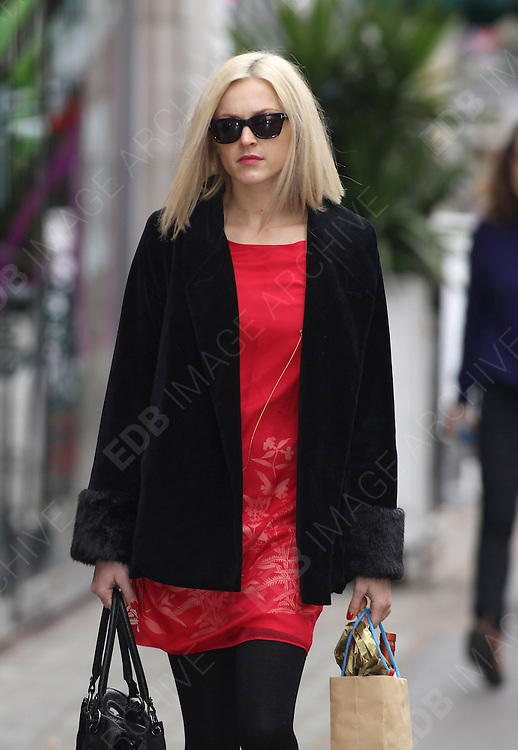 27.FEBRUARY.2012. LONDON<br /> <br /> FEARNE COTTON ARRIVING AT THE RADIO 1 STUDIOS IN LONDON<br /> <br /> BYLINE: EDBIMAGEARCHIVE.COM<br /> <br /> *THIS IMAGE IS STRICTLY FOR UK NEWSPAPERS AND MAGAZINES ONLY*<br /> *FOR WORLD WIDE SALES AND WEB USE PLEASE CONTACT EDBIMAGEARCHIVE - 0208 954 5968*