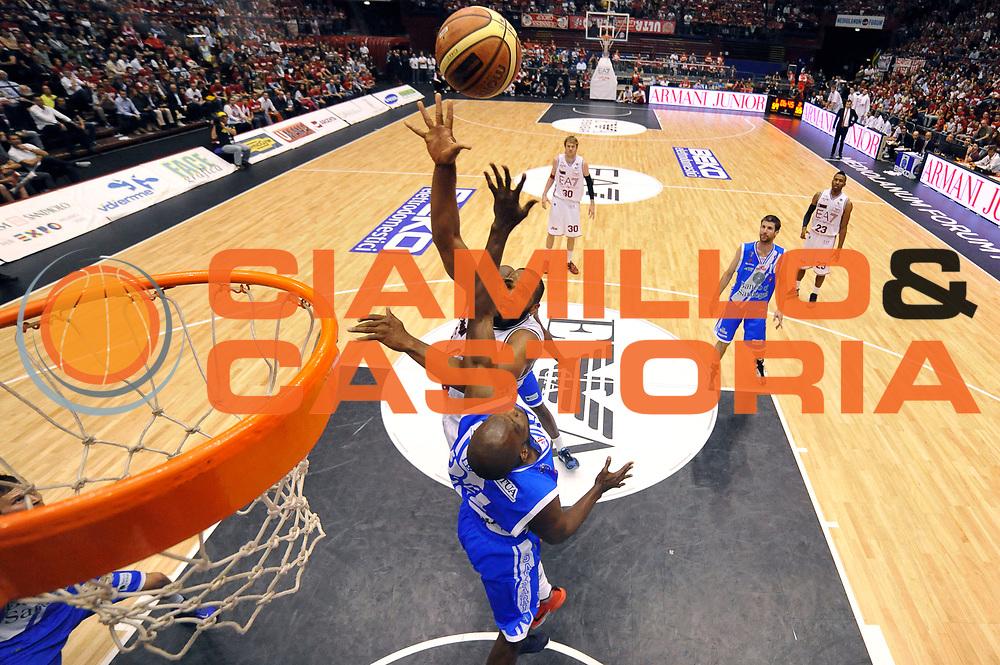 DESCRIZIONE : Milano Lega A 2013-14 EA7 Emporio Armani Milano  vs Banco di Sardegna Sassari playoff semifinali gara 1<br /> GIOCATORE : Samardo Samuels<br /> CATEGORIA : Special<br /> SQUADRA : EA7 Emporio Armani Milano<br /> EVENTO : Semifinale gara 1 playoff<br /> GARA : EA7 Emporio Armani Milano vs Banco di Sardegna Sassari gara1<br /> DATA : 30/05/2014<br /> SPORT : Pallacanestro <br /> AUTORE : Agenzia Ciamillo-Castoria/R.Morgano<br /> Galleria : Lega Basket A 2013-2014  <br /> Fotonotizia : Milano Lega A 2013-14 EA7 Emporio Armani Milano vs Banco di Sardegna Sassari playoff semifinale gara 1<br /> Predefinita :