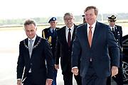 Koning Willem-Alexander opent de tentoonstelling Willem in het Nationaal Militair Museum in Soesterberg.<br /> <br /> King Willem-Alexander opens the exhibition Willem in the National Military Museum in Soesterberg.<br /> <br /> Op de foto/ On the photo:  Aankomst / Arrival